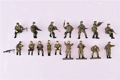 Picture of Russian modern Crew and soldier set (16 pics, plastic weapon included, two type colors)